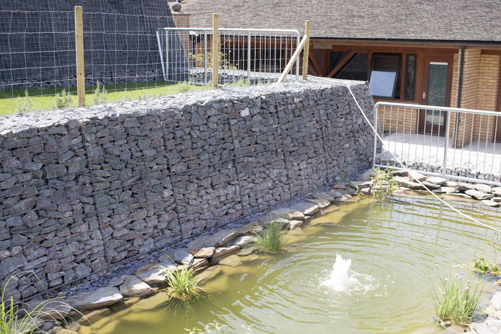 gabion-wall-next-to-pond-2
