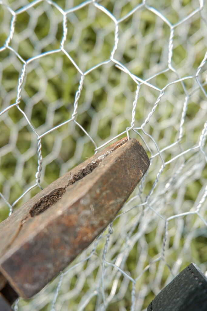 shaping-chicken-wire-with-plier