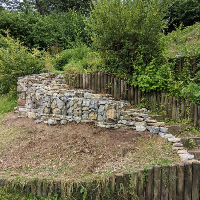 retaining-gabion-structure-next-to-steps